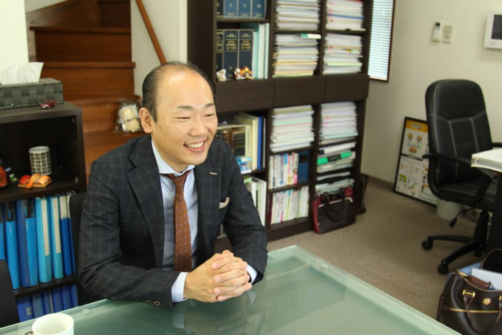 行政書士 中井篤の写真